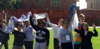Iran : élan de solidarité internationale pour le combat contre le port du voile